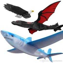 aperto tático m4 Desconto Lançamento da mão Jogando Planador Aeronaves Inercial Espuma Planador Tubarão Águia Voar Modelo Dragão Esportes Ao Ar Livre Voando Brinquedo Para O Presente Dos Miúdos
