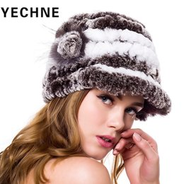 Cappello di pelliccia invernale Donna Genuine Rex Rabbit Rabbit Fur Hats  Natural Stripe lady winter Headwear Rex Rabbit Handmade Caps sconti cappelli  da ... 24475e134e9a