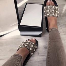2018 mujeres sandalias de diseñador diapositivas Marca Moda sandalias de rayas Medusa Scuffs causal antideslizante verano huaraches zapatillas chanclas zapatilla desde fabricantes