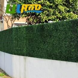 Wholesale Artificial Plastic Boxwood Mat - Uland Artificial Boxwood 24 Panels 25x25cm Decorative Artificial Plants Plastic Boxwood Hedges Mats Garden Ornaments G0602a001