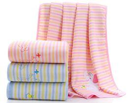 Manta orgânica da criança do bebê de Muslin - cobertores macios da cama de algodão de 100%, colcha do verão do bebê (azul / rosa, 100cm * 100cm) de