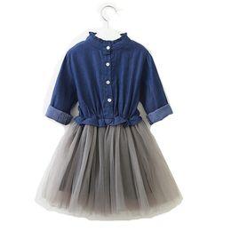 2019 vestido de cor denim Frete grátis 3-8 anos de idade do bebê roupas meninas plissado mangas compridas denim malha patchwork vestido 2 cor bonito princesa saia H061 vestido de cor denim barato