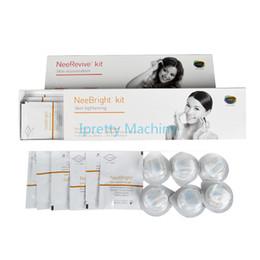 Máquina facial Facial RF Masaje ultrasónico Cuidado de la piel Brillantes productos de Neerevive para el envejecimiento y el blanqueamiento de la piel desde fabricantes