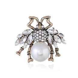Perle Strass Broschen für Party Modeschmuck Zubehör Niedlichen Tier Kleine Biene Pins Mit Perle Für Dame von Fabrikanten