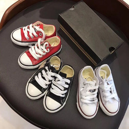 розовые пляски Скидка Girls Boys shoes Повседневная обувь бренда Comfort Pretty Boy со шнуровкой из брезентовой ткани Girl Sneakers butterfly Очень прочная устойчивая верхушка 3 цвета