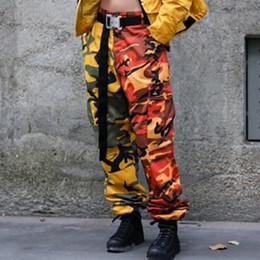 2019 pantalones del remiendo del diseño de la manera 2018 Nuevo Diseño Patchwork Pantalones de Camuflaje Pantalones de Carga de Los Hombres de Las Mujeres Hip Hop Streetwear Moda Pantalones de Camuflaje Casual BFSH0502 pantalones del remiendo del diseño de la manera baratos