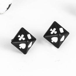 2019 brincos de ouro 14k atacado Beicchong triângulo triângulo brincos homens e mulheres retro caráter titanium aço brincos baralho brincos casal jóias