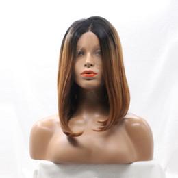 Peinados bob negro parte media online-Ombre Lace Front Wig Bob Peinados Recto Resistente al calor Medio Parting Short Glueless Synthetic Lace Front Wigs para mujeres negras