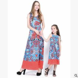 Wholesale Blue Mother S Dresses - Retro Mother and Daughter Matching Dresses 2018 Summer Sleeveless Floral Patchwork Mother and Daughter Clothes Vest Dress Family Clothing