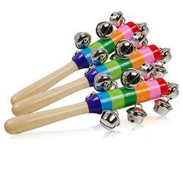 chocalho de sino de madeira do bebê Desconto Brinquedos de madeira de aprendizagem 18 cm dos desenhos animados chocalho do bebê arco-íris chocalhos com brinquedos de madeira de sino instrumentos orff cedo brinquedo educacional da música do bebê brinquedo