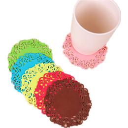 silikon-spitze-untersetzer Rabatt 1 STÜCKE Silikon Esstisch Tischsets Clastic Coasters Anti-skid Keramik Becher Coaster Spitze Blume Kaffee Untersetzer Tasse noFB6