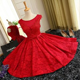 linea rossa fortunata Sconti 2018 Red Lace Lace Sheer Neck Knee-lunghezza Cocktail Party Abiti Homecoming Abiti Maid Of Honor Dress