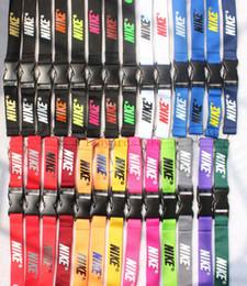 Toptan 1000 adet Cep Telefonu Charm kordon altında giyim marka LOGO 27 renkler anahtarlık iphone için KIMLIK kartı boyun askısı hızlı kargo nereden