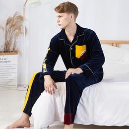 390349c7f83c5 2019 samtmänner pyjamas Herbst Winter Herren Pyjamas Set Samt Schlaf Pyjamas  Anzug Herren Warme Nachtwäsche Anzug