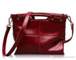 Wholesale fashion handbags cheap - Fashion Handbags Men Women Leather Bags Famous Brand Designer Bag Embroidered Ladies Bags g88 Cheap Sale
