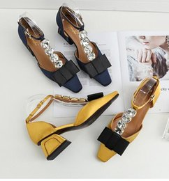 Wholesale diamond head bands - 2018 Spring summer New Women sandals Big diamond Thick with mid heel Square head shoes T band Bowknot Satin Spell color sandals