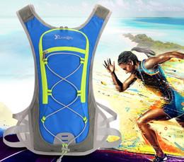 Zaino sport acquatici online-2018 Sport Riding Outdoor Backpack Running Water Bag Impermeabile Formazione Borse da viaggio Outdoor Packs zaino portatile palestra # PP10