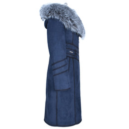 Abrigo de cuello de piel de zorro azul online-Moda Nuevo estilo 100% Faux leather Collar de gran tamaño Engrosado Resistente al frío azul de invierno Abrigo de mujer Suedette de piel sintética largo