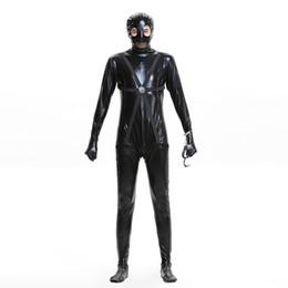 maschera in pelle nera Sconti Costumi Cosplay di Halloween Uomini Prigioniero Costumi Cosplay Set di cappello di tuta in pelle imitazione tinta unita nera