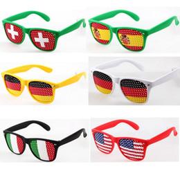 2018 coupe du monde lunettes sténopé drapeau national lunettes de soleil football ballon de football lunettes en plastique cadre et lentille ? partir de fabricateur