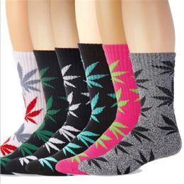 Wholesale Pink 38 - 38 Colors Maple Leaf leaf socks fashion socks plantlife crew socks skateboard sports stockings Cotton Calcetines Deporte Men Women