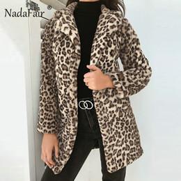 Nadafair 2018 Мода леопарда печати искусственного меха длинное пальто женщин зима толстые теплые мягкие плюшевые куртки пальто Женские старинные верхняя одежда от