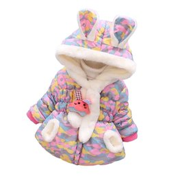 Chaqueta de terciopelo pequeña online-2018 Winter Girls Fashion Small Plaid Coat 1-4 Years Old Ropa para niños Thickened Plus Velvet Rabbit Ears Chaqueta con capucha