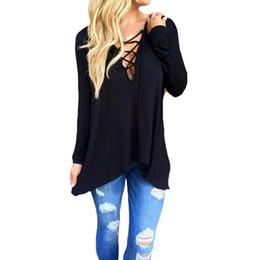 Camisetas de poliéster de calidad online-Vendaje camiseta femenina larga poliéster camiseta negra con sombrero Alta calidad profunda v cuello mujer remata más talla camisetas