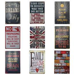 Diseños de carteles online-Estilo de graffiti Latas antiguas Póster Multi diseño europeo pintura del hierro del metal para el dormitorio y el Club Hang Signo de chapa alta calidad 20 * 30 cm ZY