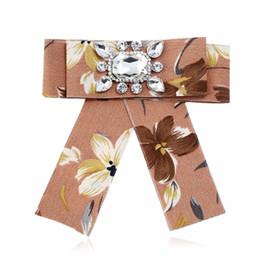 Laços mulheres meninas com strass flor laço gravata borboleta j0006 floral senhoras colarinho laço 5 cores de Fornecedores de casamento vermelho do laço da camisa preta
