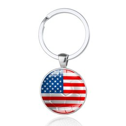 Anelli portachiavi online-2018 World Cup Calcio chiavi fibbia rotonda portachiavi in metallo bandiera nazionale portachiavi vendita calda 1 8xm T