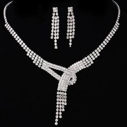 Argentina 2017 nuevo en stock un conjunto de perlas nupcial sin cuello joyería de la boda accesorios nupcial sin cuello y aretes conjuntos flor barata joyería del partido Suministro