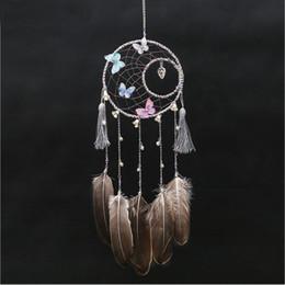 mariposa de viento Rebajas Pluma hecha a mano atrapasueños con colgante en forma de corazón de la mariposa de la borla del anillo doble carillón de viento colgar en la pared decoración del banquete de boda decoración