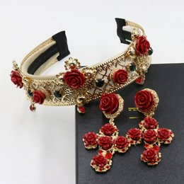 Wholesale Vintage Gold Headband - Baroque headband Crown wider than the vintage metal red cross wind flower tiara Bridal Accessories