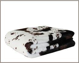 Tejidos de piel sintética online-El estilo de la manta de la piel de imitación de la vaca de los 125 * 150cm dobla capas la tela suave de la felpa del revés polar de la felpa del pv suave para las camas