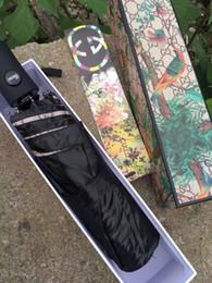 bolsas de paraguas Rebajas Patrón clásico de la moda Flor de la camelia logo Umbrella para las mujeres 3 Fold classic Umbrella con caja de regalo y bolsa Rain Umbrella VIP regalo G45