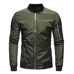 Abbigliamento sportivo nylon da uomo online-Vintage Look Shearling Flying Giacche Imbottito Nylon Bomber Jacket Streetwear Mens Sportswear