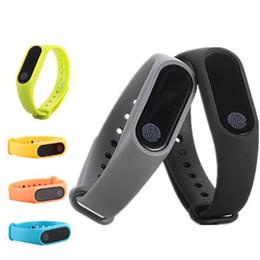 2018 M2 modelli intelligenti esplosione braccialetto sport sano frequenza cardiaca impermeabile Bluetooth regali in silicone spedizione gratuita da yongnuo iii fornitori
