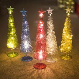 Metallo natale illuminato alberi online-Mini albero di Natale innovativa avvolgimento della luce decorazione Incandescente albero di Natale forma ornamento decorazioni in metallo Dropshipping