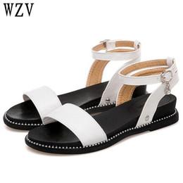 Sandalias de mujer 2018 Nuevas sandalias de verano Zapatos de mujer planas damas hermosas Negro Blanco amarillo Sandale Femme K030 desde fabricantes