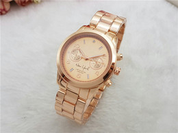 Wholesale Delicate Watches - 2018 new high quality fashion wristwatches luxurious and delicate couples watch high-end and elegant leisure clocks