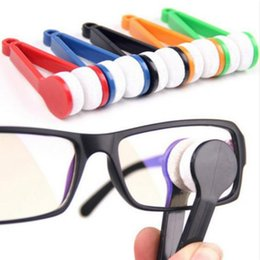 Tergicristalli per occhiali online-Mini Pocket Occhiali Cleaner Brush Wiper - EDC Occhiali da sole Occhiali da vista Wipe Kit Microfiber Cleaning Brush (Colore casuale)