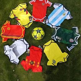 Fútbol recién nacido online-Venta al por mayor Baby Climbing Jumpsuit 2018 Copa Mundial Selección Nacional de Fútbol Ropa de manga corta Bebé Fútbol Ropa de bebé recién nacido