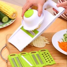 Reibe set online-Aktenvernichter Küche Multifunktions Reibe Set 5 in 1 Sets Aufschnittmaschinen in Streifen Gerät Reibe Kartoffelschneider mit DIY Backen Chips Fach