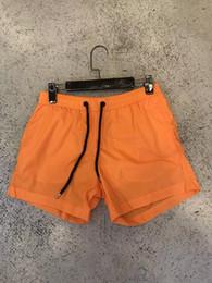 Vida deportiva casual online-M517 Hombres Pantalones cortos sarga de ocio impresos deportes de los hombres de alta calidad Pantalones de playa Traje de baño Bermuda Carta Masculina Surf Life Men Swim