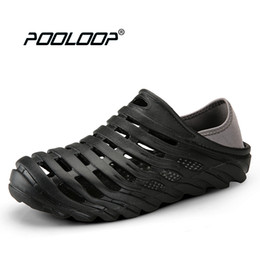 Wholesale pool open - POOLOOP Summer Quick Dry Beach Sandals Mens Water Shoes Breathable Soft Walking Shoes Slip On Garden Clogs Male Pool