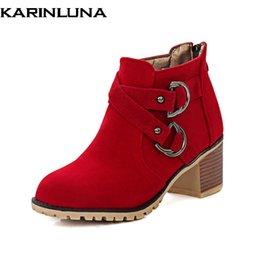 KARINLUNA большие размеры 34-43 западные сапоги Женская обувь женщина застегивать квадратный каблук зима ботильоны добавить плюшевые пинетки женская обувь supplier winter heel booties от Поставщики зимние каблуки
