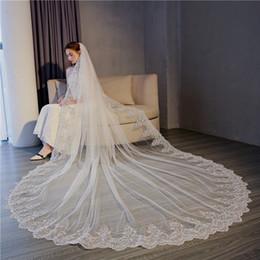 Uma camada de véus de noiva on-line-New White Marfim Catedral Véus De Noiva longo laço Appliqued Barato One Tier Véu De Noiva Com Pente Livre