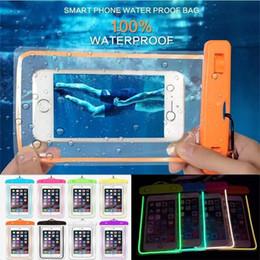 Bolsa de natación bajo el agua online-Bolsa luminosa universal a prueba de agua Bolsa Estuche submarino Seco Buceo Nadar Bolsa impermeable Resplandor en iluminación oscura Funda para iPhone X