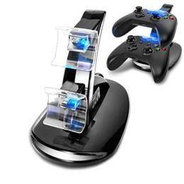 base de carga dock ps4 Rebajas Al por mayor-LED Dual Charger Dock Mount soporte de carga USB para PlayStation 4 PS4 Xbox One Gaming controlador inalámbrico con caja al por menor OTH775